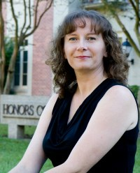 Honors College Bids Farewell to Beloved Advisor