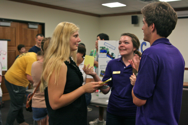 Honors College Hosts Student Organizational Fair