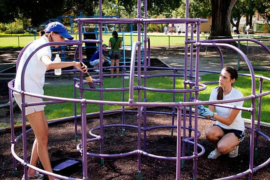 LSU Students Spruce up Schools, Learn More About the Baton Rouge Area at Community Bound