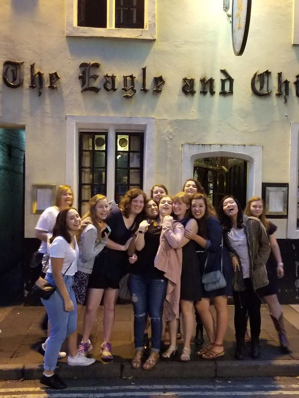 Ogden Honors in Oxford students in front of the The Eagle and Child.