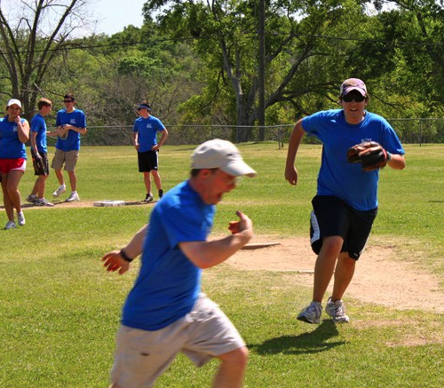 Honors College Student Council Hosts Softball Tournament With Best Buddies